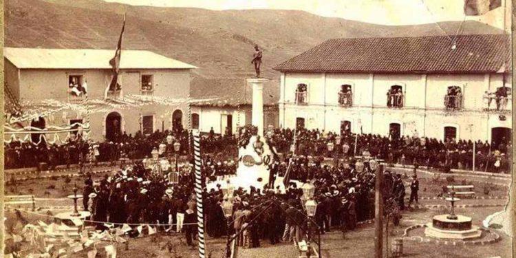 """Foto: """"Historia de la Educación en Puno"""""""