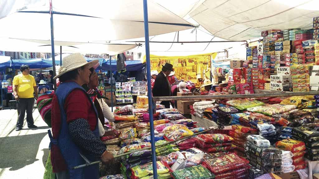 Crisis boliviana afecta a la feria sabatina de Puno - Los Andes Perú