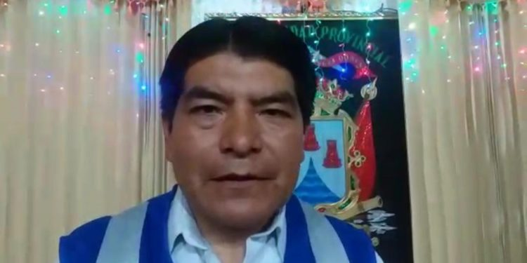 Alcalde de Puno,m Martín Ticona Maquera.