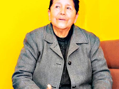 Maestra ejemplo, Cesarea Luna