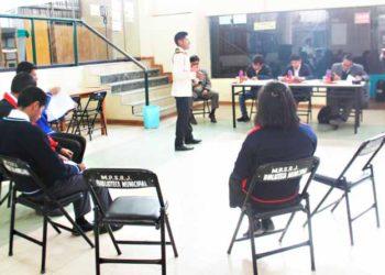 """Estudiantes participan del concurso nacional de argumentación """"Conciencia Política""""."""