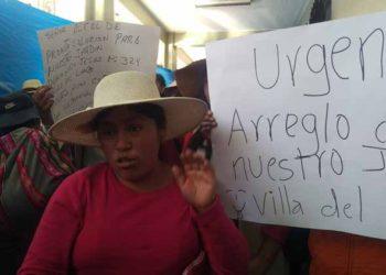 """Madres exigen pronto arreglo de la infraestructura  Institución Educativa """"Divino Niño Jesús de Villa del Lago""""."""