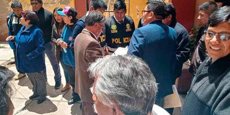 Personal policial tuvo que intervenir para calmar la situación.