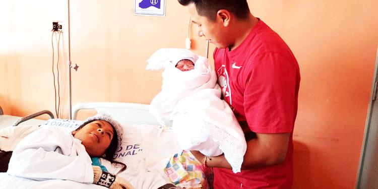 Primera bebé en navidad nació por parto natural.