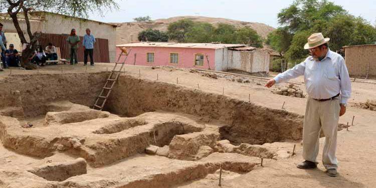 Arqueólogos hallan 11 tumbas en el complejo arqueológico Huaca Santa Rosa de Pucalá, en la provincia de Chiclayo, región Lambayeque (foto: Andina).