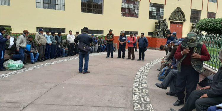 Reuniones se llevan en el parque Mariategui de Puno.