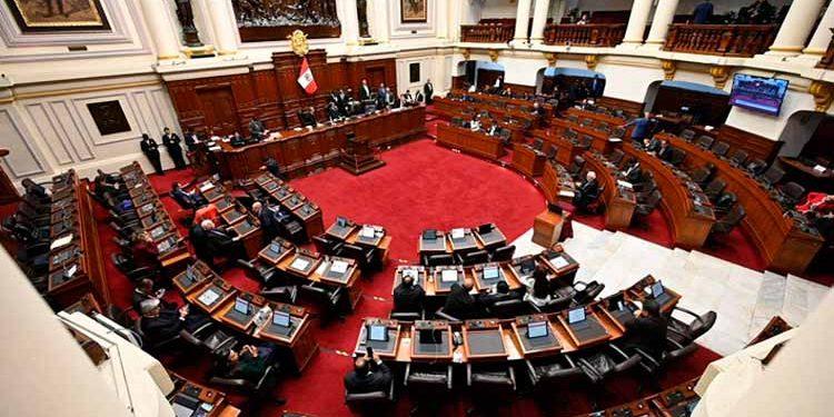 Escandalo persigue a candidatos al congreso (Foto: Emol.com)