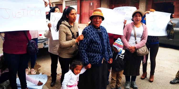familia pide justicia.