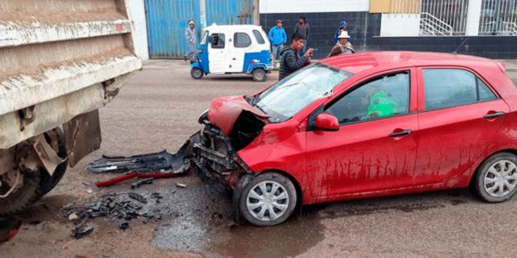 Policía en aparente estado de ebriedad protagonizó un aparatoso accidente de tránsito.