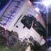 vehículo se despista en el rió torococha.
