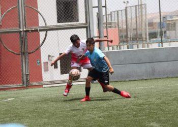 Promoviendo la formación de los menores en el fútbol.