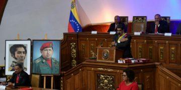 El presidente de Venezuela, Nicolás Maduro (C), durante su discurso de rendición de cuentas ante la Asamblea Constituyente, en Caracas, 14 de enero de 2020.