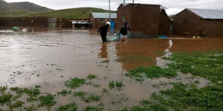 Cuatro comunidades incomunicadas y unas 70 familias afectadas dejaron las inundaciones.