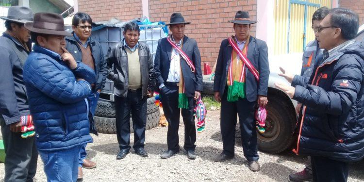 Autoridades originarias y del gobierno regional intervienen carretera Kelluyo y Pizacoma.