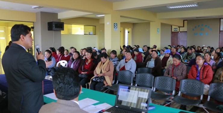 Decenas de ciudadanos participaron en capacitaciones de la UGEL.