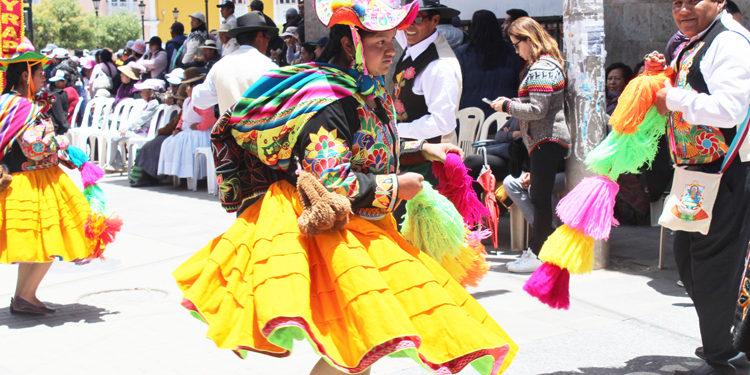 Diversos trajes de toda la región Puno.