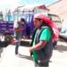 El tunche Fue detenido mientras realizaba trabajos de cargador con una moto carga sin documentos.