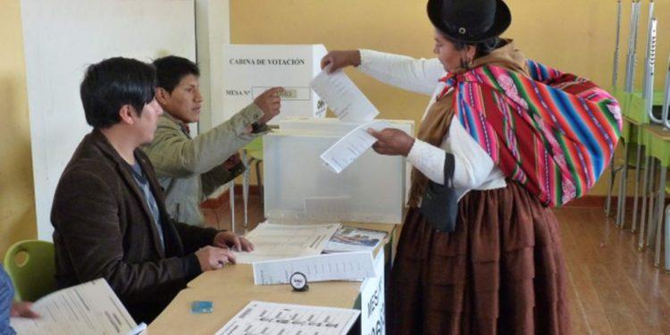 Analistas Políticos, consideran que en estas elecciones se impondrá el voto blanco y nulo.