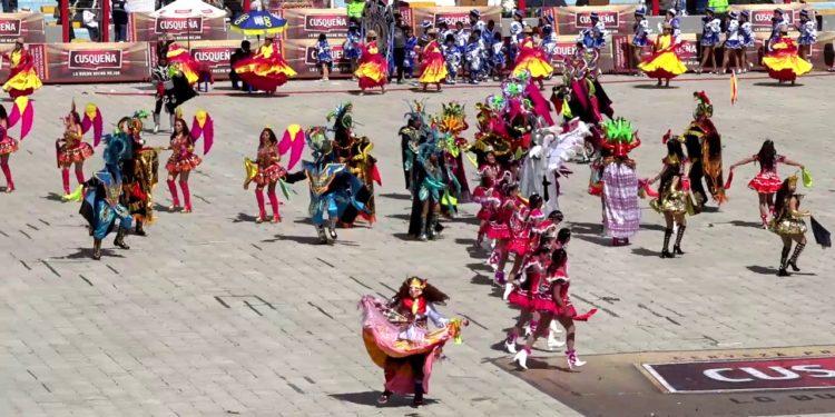 En concurso en el estadio de Puno.
