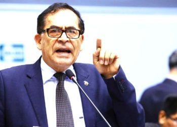 Ex Congresista. Alberto Quintanilla Chacon, consideró que debe mantenerse la inmunidad parlamentaria para una buena fiscalización.