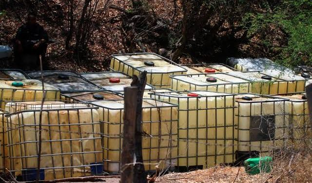 Funcionarios sacaron el combustible dos días después de ser notificados de su cese de funciones.