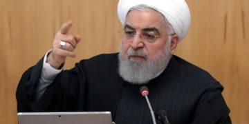 Fotografía de Hasan Rohani proporcionada por la Presidencia iraní, durante una reunión de su gabinete, el 15 de enero de 2020 en Teherán.