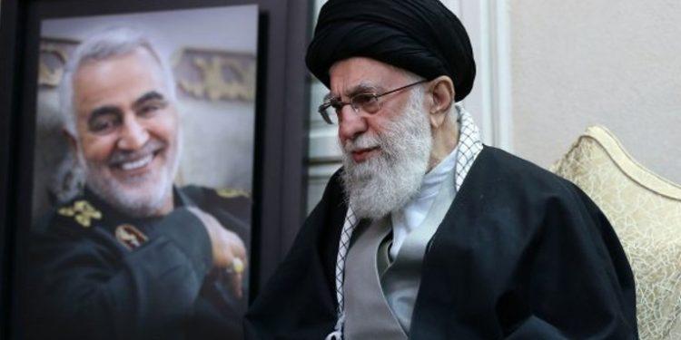 """""""El más débil de los escenarios es una pesadilla histórica para EE. UU."""", advirtió secretario del Consejo de Seguridad iraní, Alí Shamjaní, quien apuntó que """"la venganza no incluye solo una operación""""."""