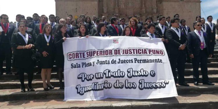 Año judicial inicia con plantón de jueces (foto: Onda Azul)