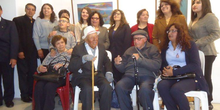 Luis Gallegos Arriola cumplió 100 años de vida al lado de sus familiares.