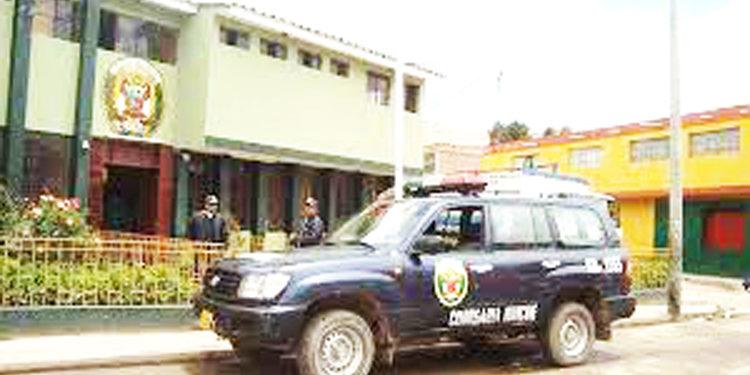 PNP de Huancane decomisa mercadería ilegal.