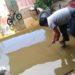 Viviendas terminaron inundadas con aguas servidas.