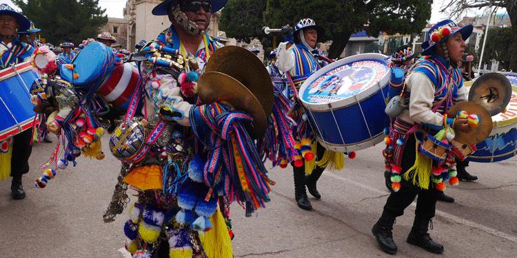cada sección de los  músicos están seleccionados por platilleros, bombos, tokoros y pinquillos.