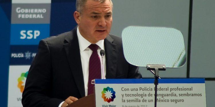 El exsecretario de Seguridad Pública de México Genaro García Luna es acusado en Nueva York de ayudar al cartel de Sinaloa a enviar toneladas de droga a Estados Unidos a cambio de sobornos (AFP).