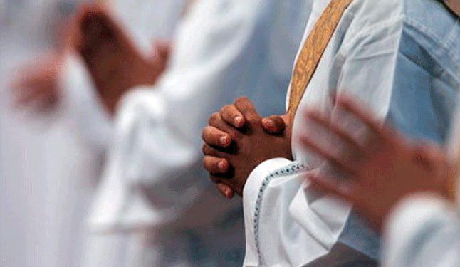 Nueve sacerdotes son investigados por abuso sexual  en Italia.