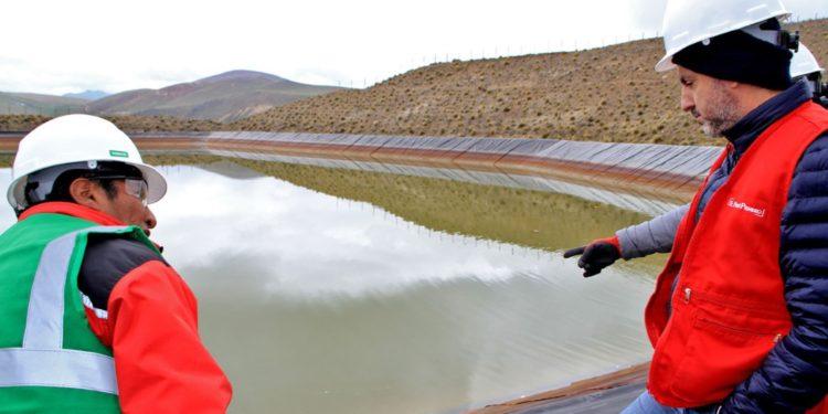 Comitiva del Ejecutivo que visitó provincia de Melgar en Puno constató paralización y supervisó ejecución del plan de cierre de la mina Arasi. (Andina).