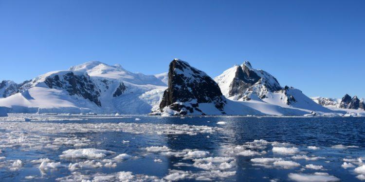 Las Islas Shetland del Sur en el Archipiélago Antártico, a 127 kilómetros al noreste de la península antártica, el 9 de febrero 2020. (AFP).