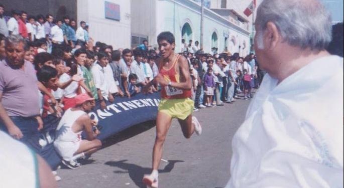 El atleta, Roger Cayo en la cumbre.