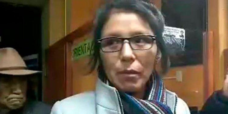Dirigentes cuestionan a la autoridad de mujer de la provincia de la aguas termales.
