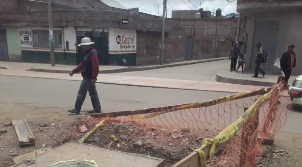 Inician trabajos de reinstalaciones eléctricas en la Avenida Simón Bolívar  de la ciudad de Puno.