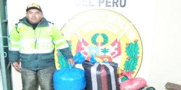 Tres sujetos fueron detenidos por trasladar 50 kilogramos de hoja de coca.