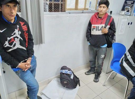 Ambos hermanos transportaban droga.