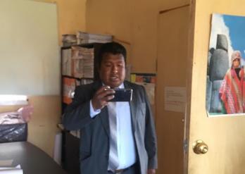 Trabajador del GORE fotografió a consejero.
