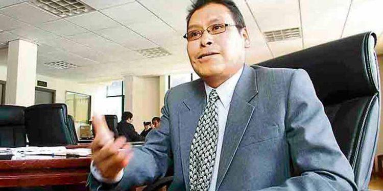 Gerente. Walter Paz Quispe a la espera de la respuesta del director de la DIRESA para el concurso CAS.