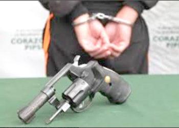Sujeto portaba dos armas de fuego (foto referencial).