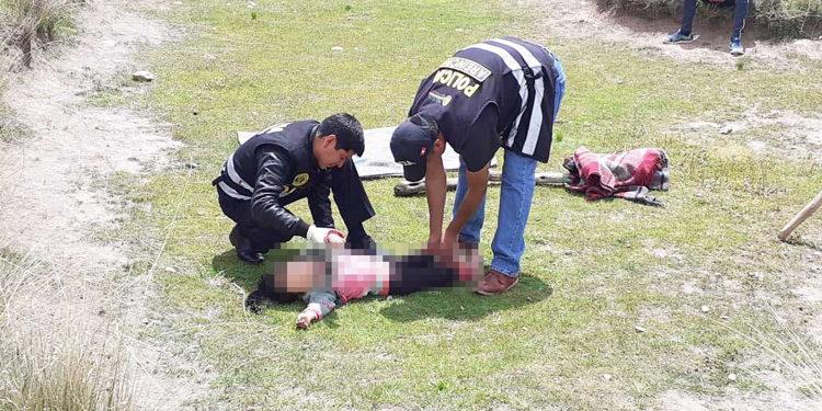 El cuerpo de la menor fue rescatado por su abuelita, sin embargo ya era muy tarde.