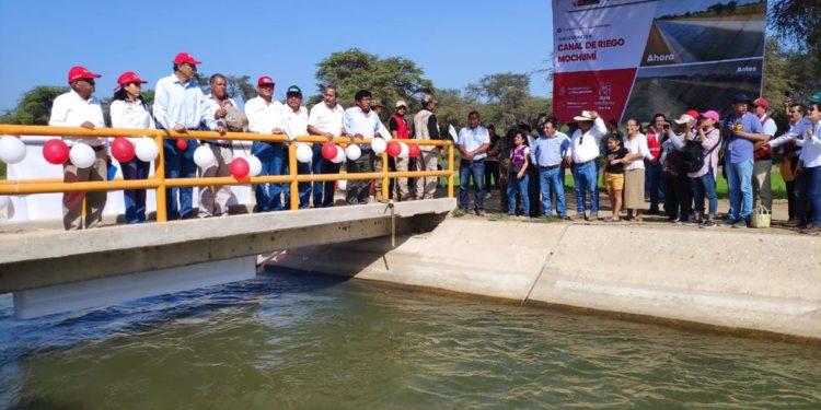 Vizcarra supervisó el funcionamiento del servicio de agua para riego del canal Mochumí. (Presidencia).