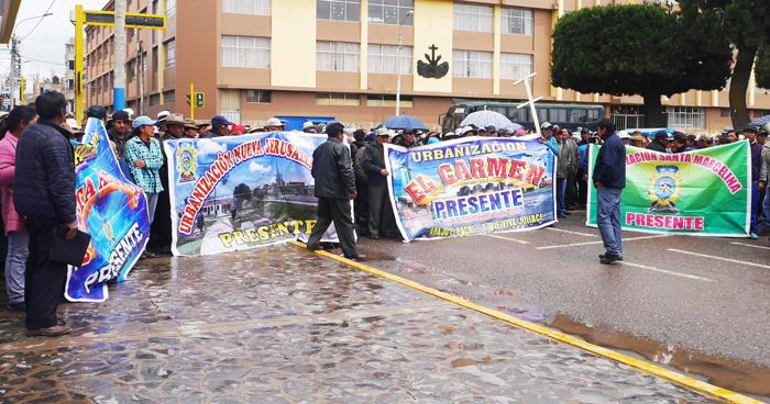 Mediante protesta piden la reubicación del aeropuerto.