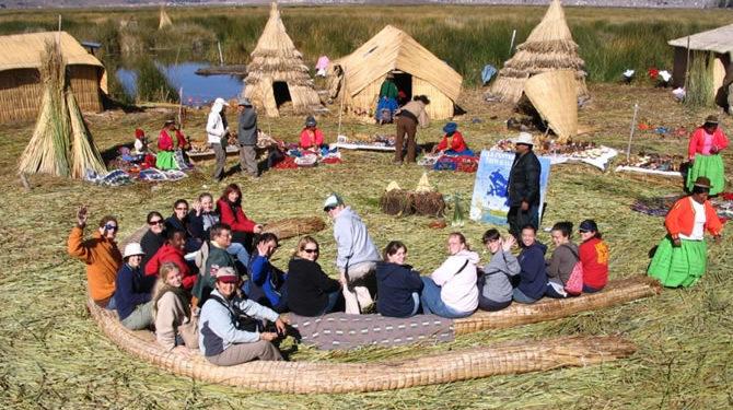 Turistas nacionales y extranjeros visitaron Puno.