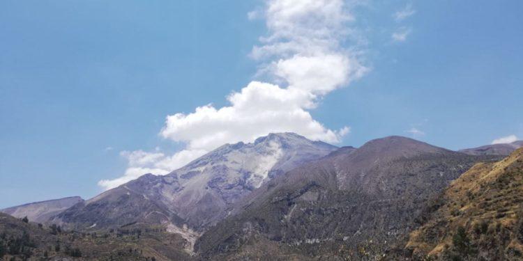 El Ejecutivo prorrogó el estado de emergencia por impacto de daños debido al proceso eruptivo del volcán Ubinas, en varios distritos de las provincias de General Sánchez Cerro y Mariscal Nieto, del departamento de Moquegua.(Andina)