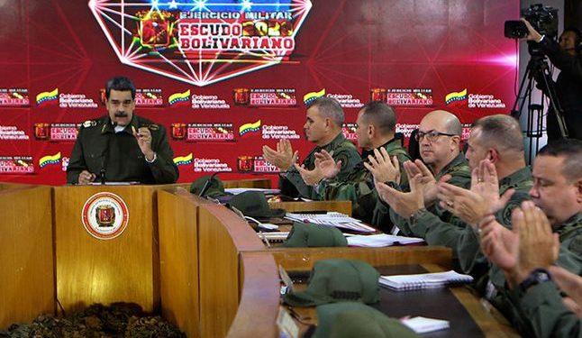 Nicolás maduro aparece con uniforme militar y dice estar preparado para combatir con EE. UU.(Foto: AFP).